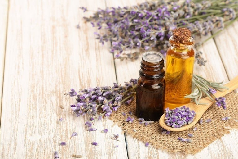 How to benefit from the virtues of essential oils with a green label by simply breathing