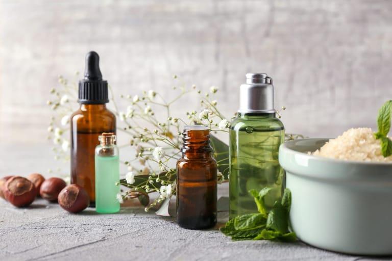 Les 3 produits pour la peau naturels indispensables pour des jambes resplendissantes