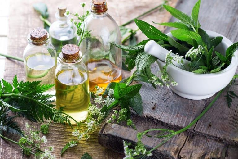 Faites la différence en optant pour des produits biologiques : un shampooing avec un label bio